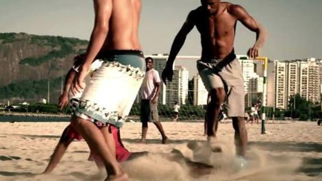 Neymar, Jean, David Luís e novos jogadores compõe o vídeo.